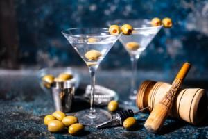 Cocktail Martini mit Oliven