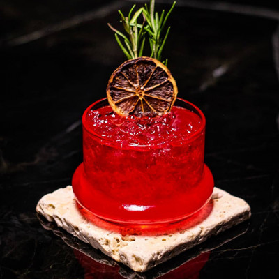 Frutto del Paradiso: roter, fruchtiger Cocktail
