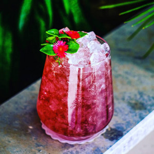Red Fairy: roter Cocktail