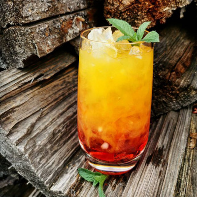 Der Cocktail Campari Sunrise