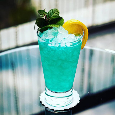 Der Cocktail Turquoise Ocean